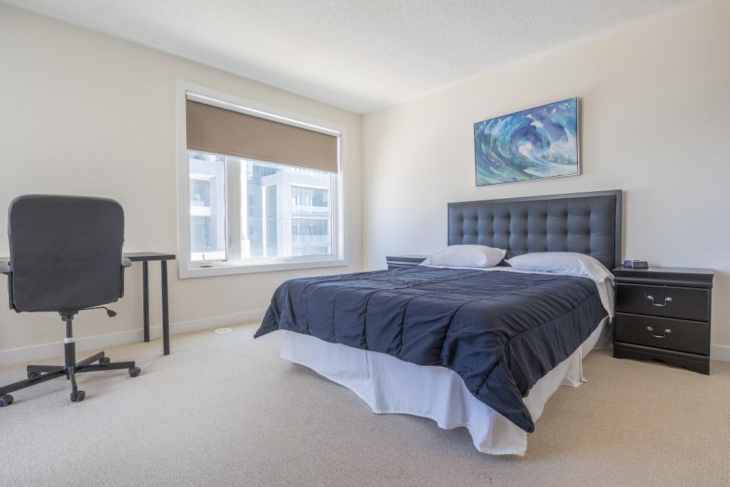 3 Bedroom Short Term Rentals Parkside Townhouse Mississauga